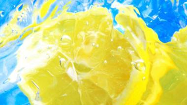 La Bevanda di Acqua e Limone: la Doccia Interna Mattutina