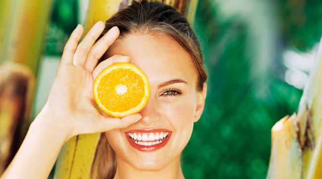 Donna sana con Vitamina C