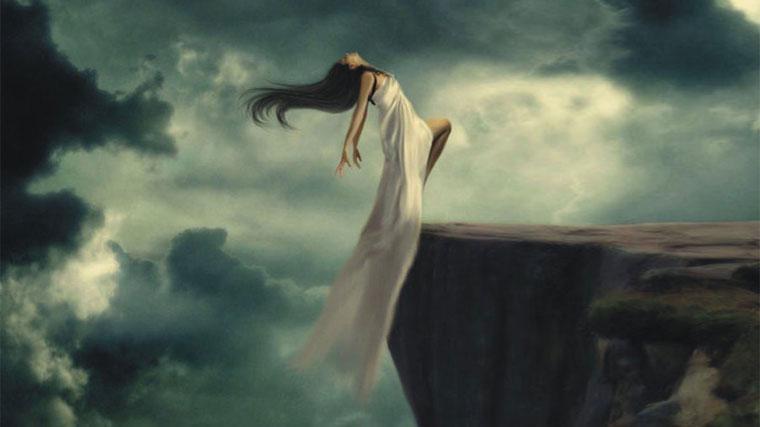 Donna coraggiosa che osa l'infinito