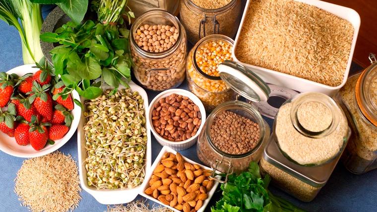 Alimenti ricchi di fibre, benefici e pericoli in caso di emorroidi